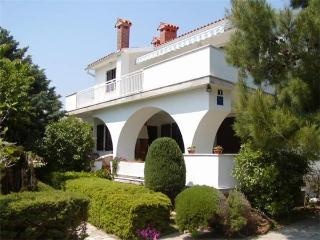 Nice 2 bedroom Draga Bascanska Apartment with A/C - Draga Bascanska vacation rentals