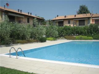 3 bedroom Apartment in Bardolino, Lake Garda, Italy : ref 2065047 - Bardolino vacation rentals