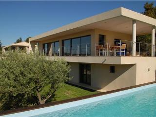 Villa in Rochefort Du Gard, Provence, Avignon, France - Rochefort du Gard vacation rentals