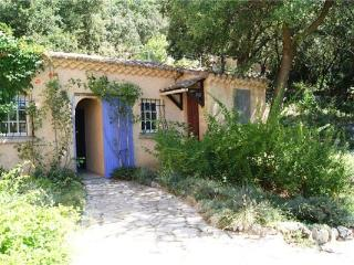 4 bedroom Villa in La Capelle et Masmolene, Provence, Uzes, France : ref 2102934 - Pouzilhac vacation rentals