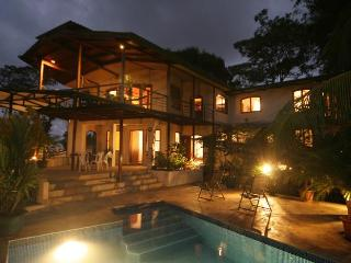 Perfect 4 bedroom Villa in Manuel Antonio National Park with Deck - Manuel Antonio National Park vacation rentals