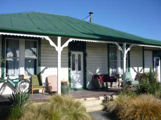 Pinedale Lodge - Methven vacation rentals