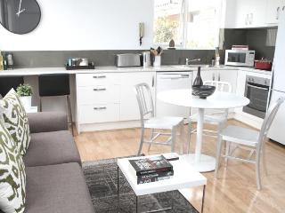 Hot Location 1 BR FREE WIFI - Melbourne vacation rentals