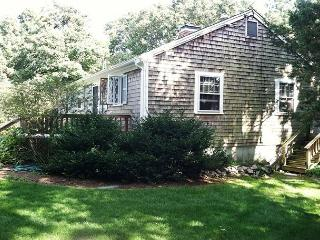 Orleans 4 bedroom, 2 bath. Close to Skaket beach and the bike trail! - Orleans vacation rentals