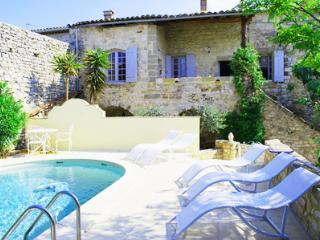 6 bedroom House with Private Outdoor Pool in Nimes - Nimes vacation rentals