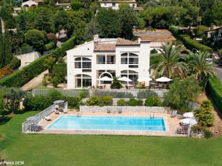 French Riviera Vacation Rental with a Garden and Pool - Nice vacation rentals
