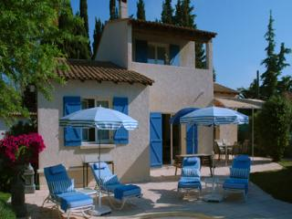 Jardin de Provence, Charming Villa with a Pool and Garden - Paradou vacation rentals