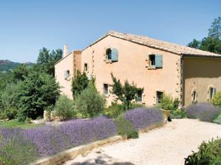 R - Avignon vacation rentals