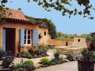 Brise Printaniére PR1221 - Caromb vacation rentals