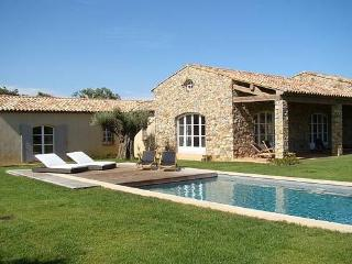 Excellent 5 Bedroom House with a Pool and Garden, Ramatuelle - Ramatuelle vacation rentals