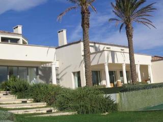 Ramatuelle Luxury 6 Bedroom House with a Lovely Garden - Ramatuelle vacation rentals