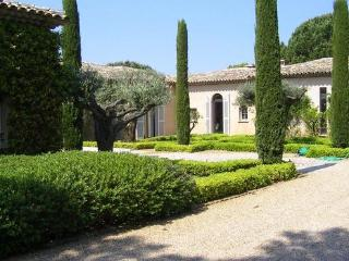 Comfortable House with Television and Private Outdoor Pool - Saint-Tropez vacation rentals