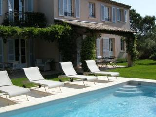 Lovely 4 Bedroom House with a Pool and Garden, St Tropez - Saint-Tropez vacation rentals