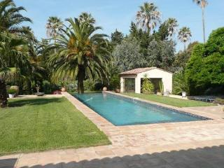Saint-Tropez Beautiful Holiday Home with a Garden - Saint-Tropez vacation rentals