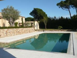 Comfortable House with Internet Access and Television - Saint-Tropez vacation rentals