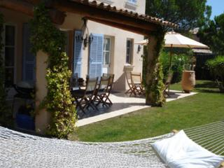 Lovely 4 Bedroom Vacation Home with a Pool, in St Tropez - Saint-Tropez vacation rentals
