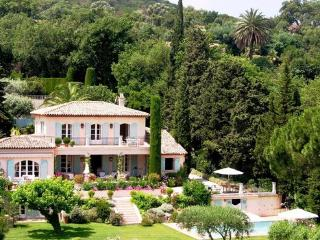 Beautiful French Riviera 5 Bedroom House with a Garden, in St Tropez - Saint-Tropez vacation rentals