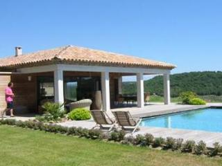 St Tropez 6 Bedroom House with a Pool, Vignes Gassin - Gassin vacation rentals