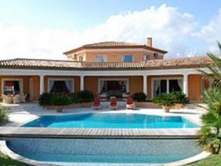 Fantastic French Riviera 4 Bedroom Vacation Rental with a Garden - Saint-Maxime vacation rentals