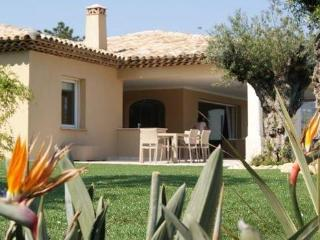 Nice 5 bedroom Grimaud House with Private Outdoor Pool - Grimaud vacation rentals