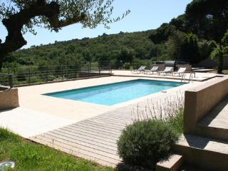 Lovely Grimaud 6 Bedroom Vacation House with a Pool and a Garden - Grimaud vacation rentals