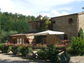 3 bedroom House with Private Outdoor Pool in Umbertide - Umbertide vacation rentals