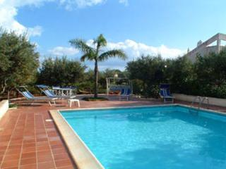 4 bedroom House with Private Outdoor Pool in Trapani - Trapani vacation rentals