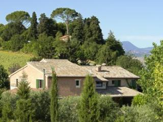 7 bedroom House with Private Outdoor Pool in Ancona - Ancona vacation rentals