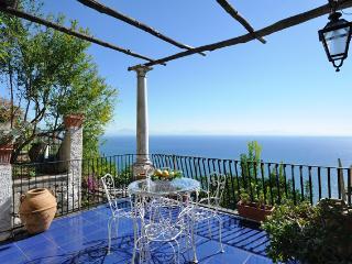 Spacious 4 bedroom House in Amalfi - Amalfi vacation rentals