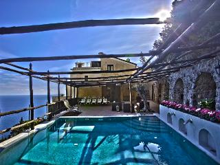 Perfect 6 bedroom Vacation Rental in Amalfi - Amalfi vacation rentals