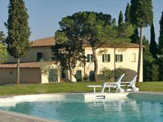 9 bedroom House with Private Outdoor Pool in Lucignano - Lucignano vacation rentals