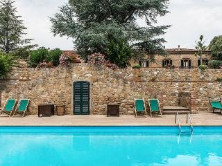 Luxury Villa Near San Gimignano in Tuscany - San Gimignano vacation rentals
