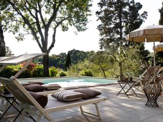 6 bedroom House with Private Outdoor Pool in San Giovanni Valdarno - San Giovanni Valdarno vacation rentals