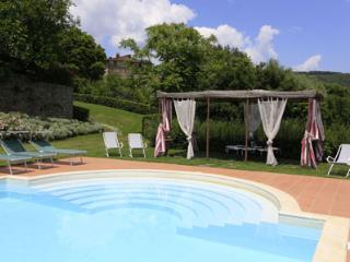 Spacious House in Poppi with Private Outdoor Pool, sleeps 14 - Poppi vacation rentals