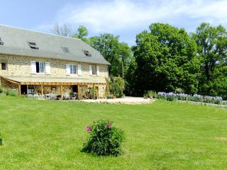 Le Foursou chambres d'hotes/  Bed and Breakfast - Marcilhac-sur-cele vacation rentals