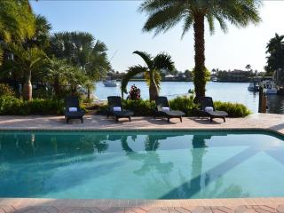 5 STAR WATERFRONT HTD POOL ESTATE STUNNING VIEWS!! - Pompano Beach vacation rentals