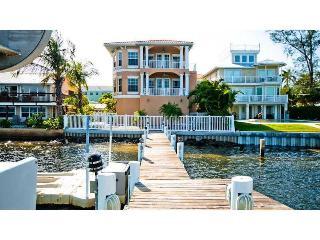 Hibiscus - Bradenton Beach vacation rentals