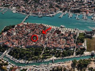 Borgoforte Apt Center, private terrace - Trogir vacation rentals
