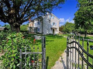 Nice Villa with A/C and Television - Gamboci vacation rentals