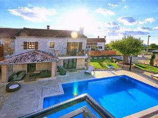 6 bedroom Villa in Sveti Lovrec, Istria, Sveti Lovrec, Croatia : ref 2375203 - Sveti Lovrec vacation rentals
