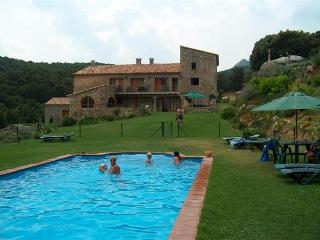 Beautiful Condo with Central Heating and Shared Outdoor Pool - La Vajol vacation rentals