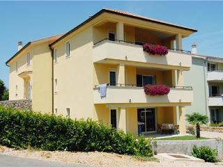 Bright 2 bedroom Condo in Baska - Baska vacation rentals