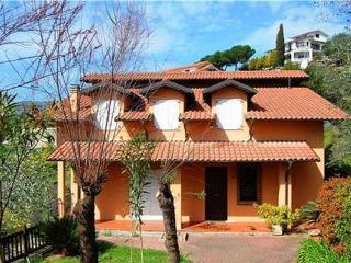 6 bedroom Villa in Imperia, Liguria, Italy : ref 2102238 - Poggi vacation rentals