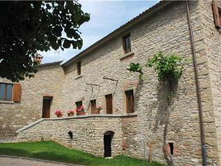 Cozy Apartment with Grill and Fireplace - Luco Mugello vacation rentals