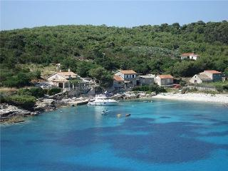 3 bedroom Villa in Vis, Central Dalmatia, Croatia : ref 2061557 - Rukavac vacation rentals