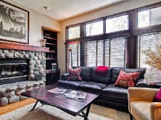 Highlands Townhome 8 near Beaver Creek Ski Mountain, family friendly with outdoor jacuzzi - Beaver Creek vacation rentals