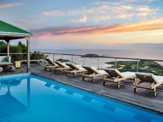 Contemporary Casa Azul offers panoramic ocean views, pool & daily housekeeping - Vitet vacation rentals