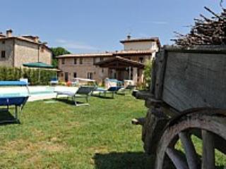 Villa Vezzosa E - Lago Trasimeno vacation rentals