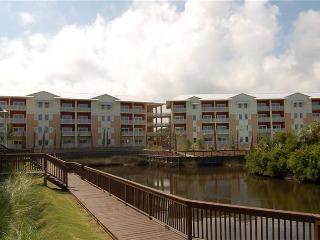 Gorgeous 2 bedroom Condo in Mexico Beach with Internet Access - Mexico Beach vacation rentals