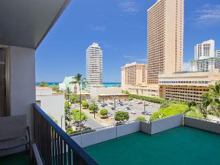 Waikiki Banyan Tower 1 Suite 712 ~ RA136624 - Waikiki vacation rentals